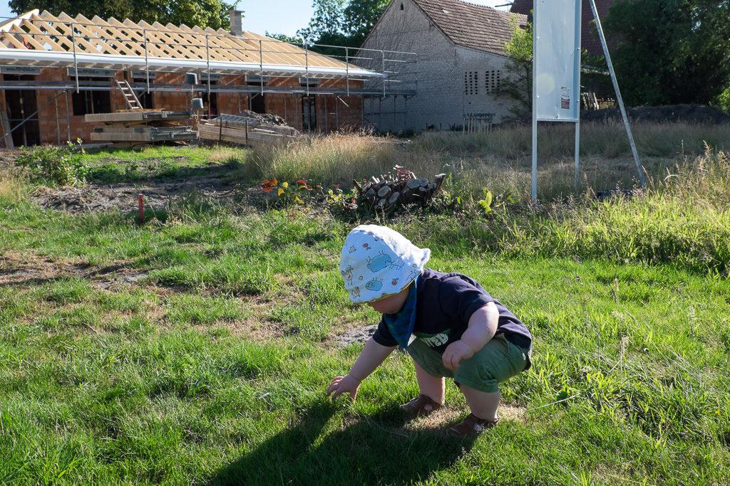 ... während der Bauleiter noch schnell ein aktuelles Bodengutachten erstellte.