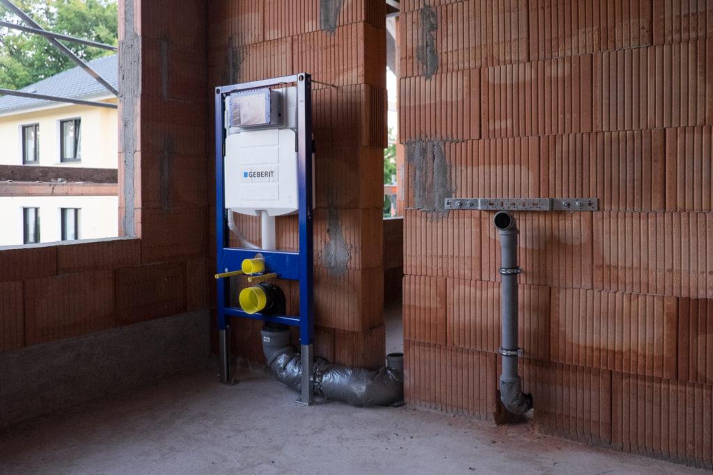 Sanitärinstallation im Obergeschoss