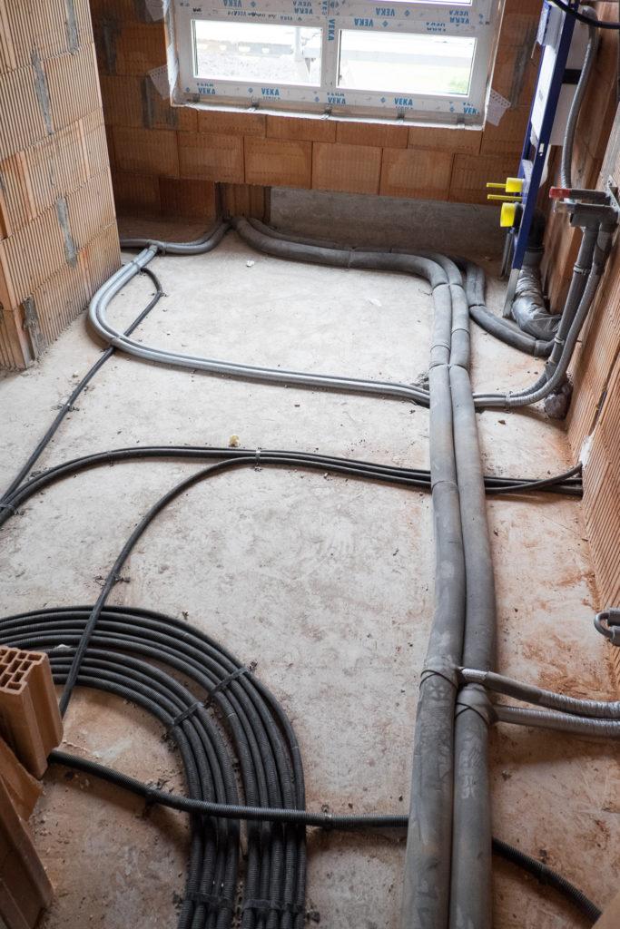 Wasserleitungen im Bad