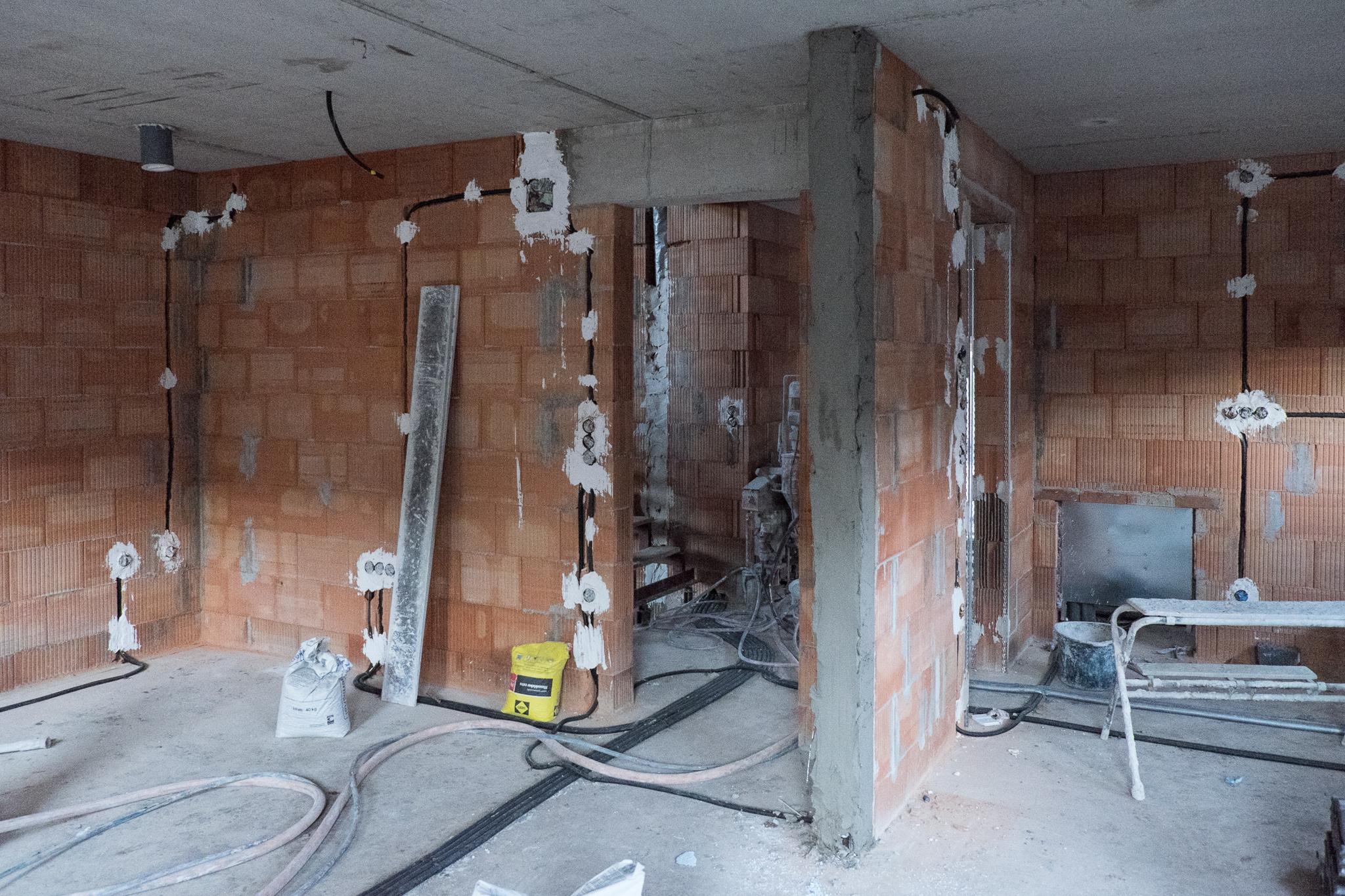 Bauarbeiten – ein haus für den zwerg