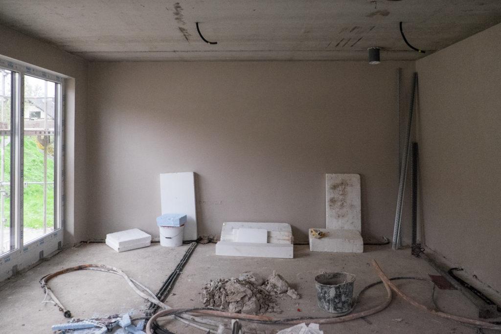 Schön verputzte Wand im Wohnzimmer