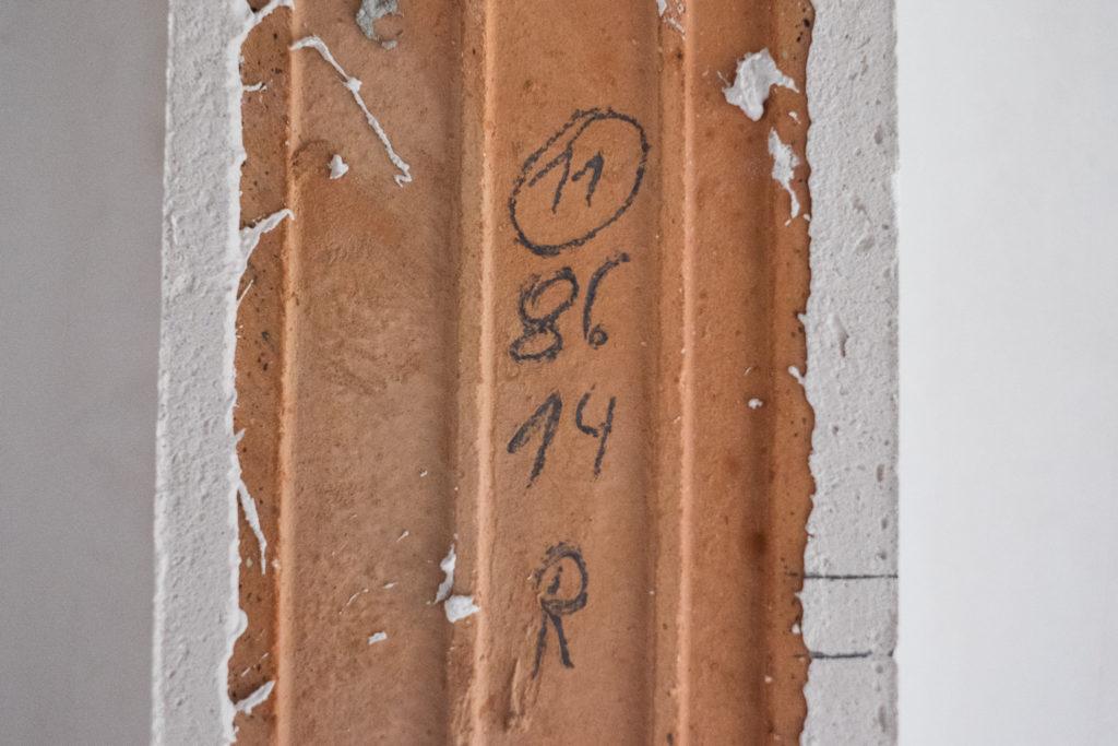 Beim Aufmaß für die Türen wurden die relevanten Parameter direkt in der Türöffnung notiert