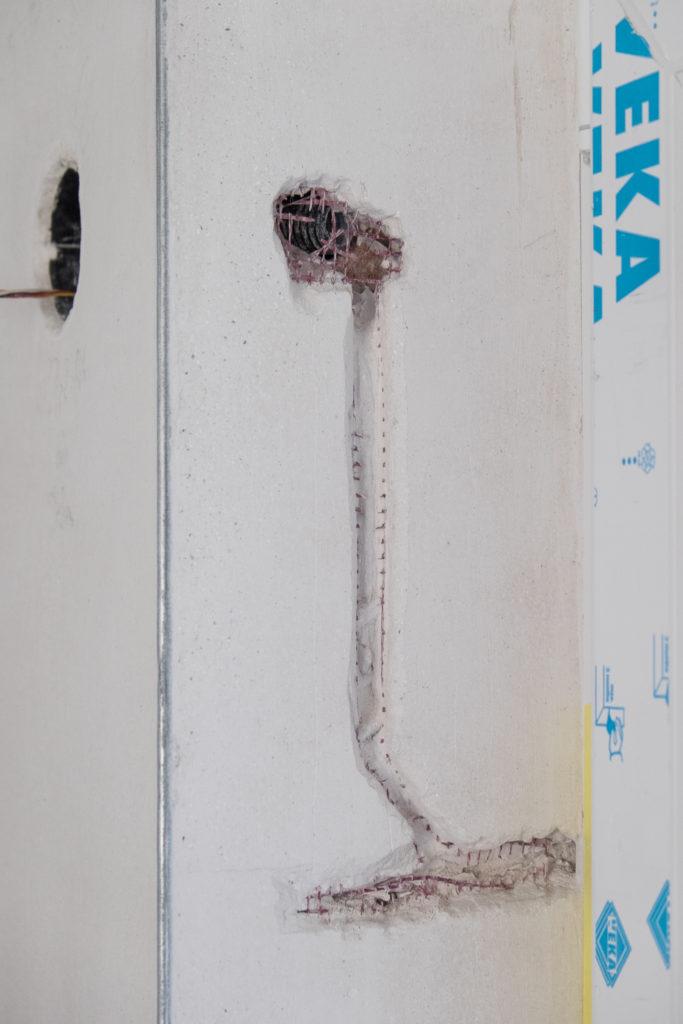 Neue Kabelführung für den Fensterkontakt