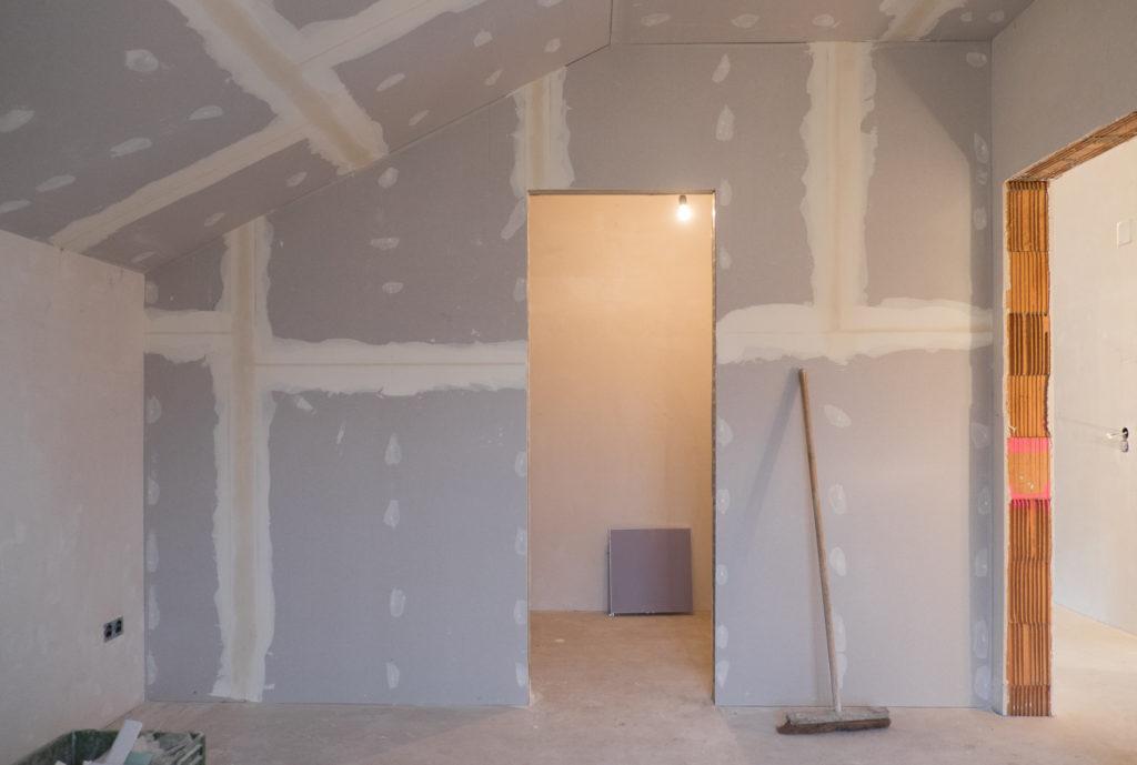 Trockenbauwand für das Ankleidezimmer