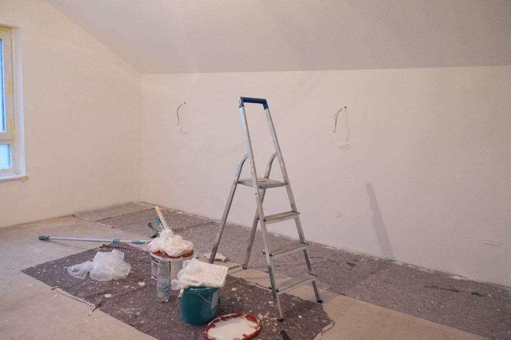 Schlafzimmer wird weiß