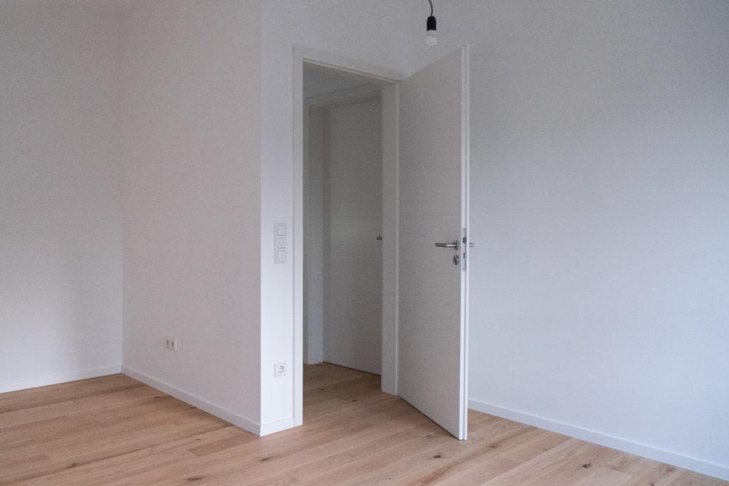 Bastelzimmer mit Tür