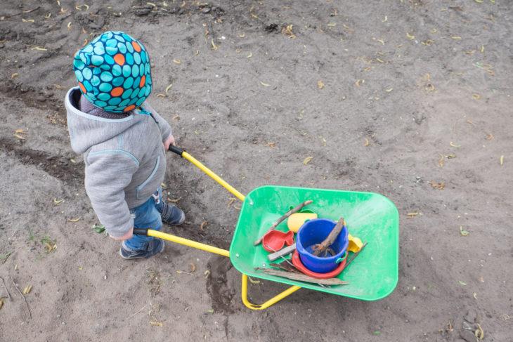 Der Bauleiter mit seinem neuen Spielzeug