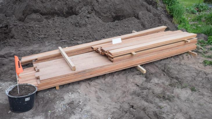 Cumaru Terrassendielen und Mandioqueira Unterkonstruktion in verschiedenen Längen