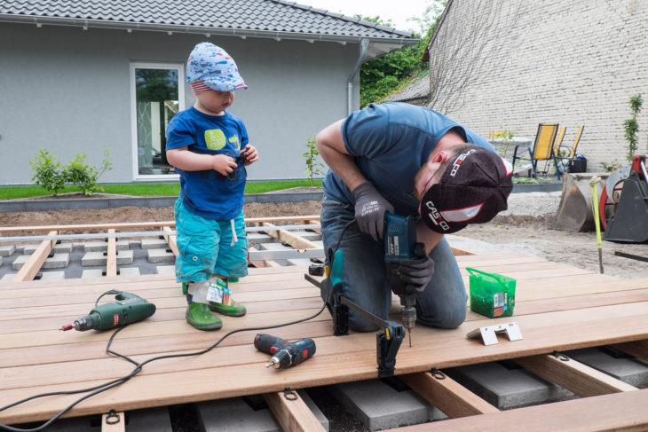 Der kleine Bauleiter hilft natürlich auch mit!