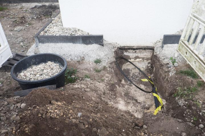 Bei uns mussten nur Schotter und Spritzschutz aufgegraben werden